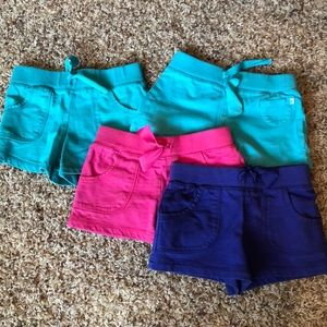 Carter's cotton play shorts, size 5, GUC